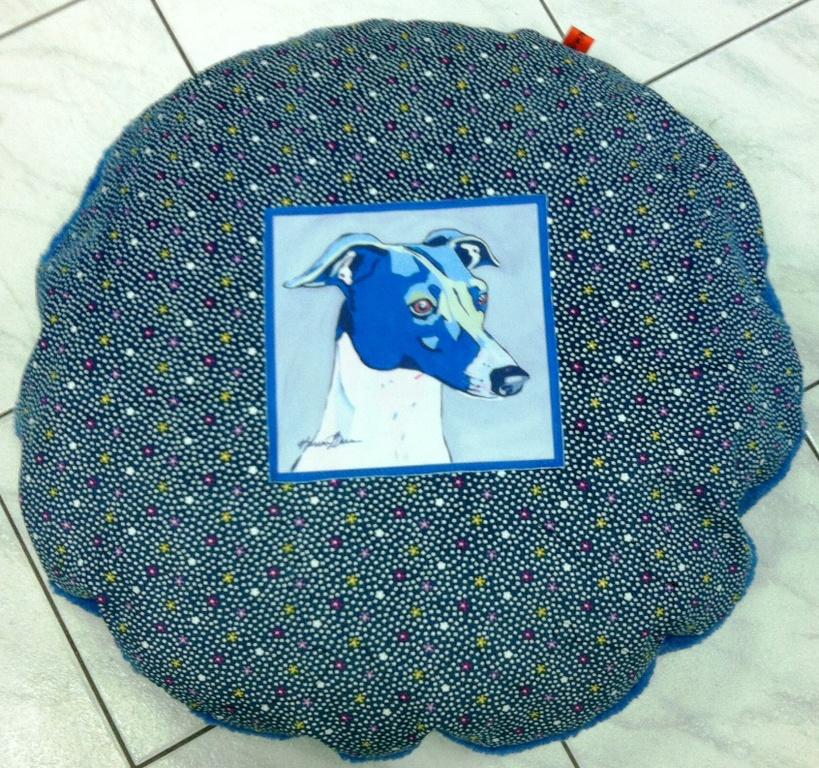 f14d37ba20d5 Μαξιλάρα σκύλου ελληνικής κατασκευής σε μπλε σχέδιο